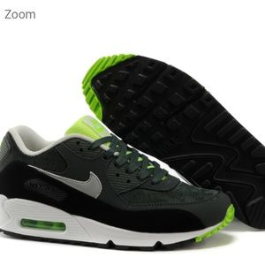 MEN'S NIKE AIR MAX 90 GREY / VINTAGE GREEN.SIZE 9